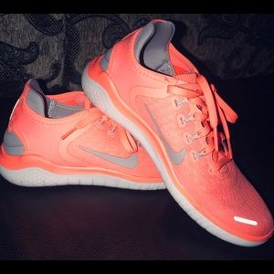 Nike Shoes size 6.5/7z. Brand new; AMAZING PRICE
